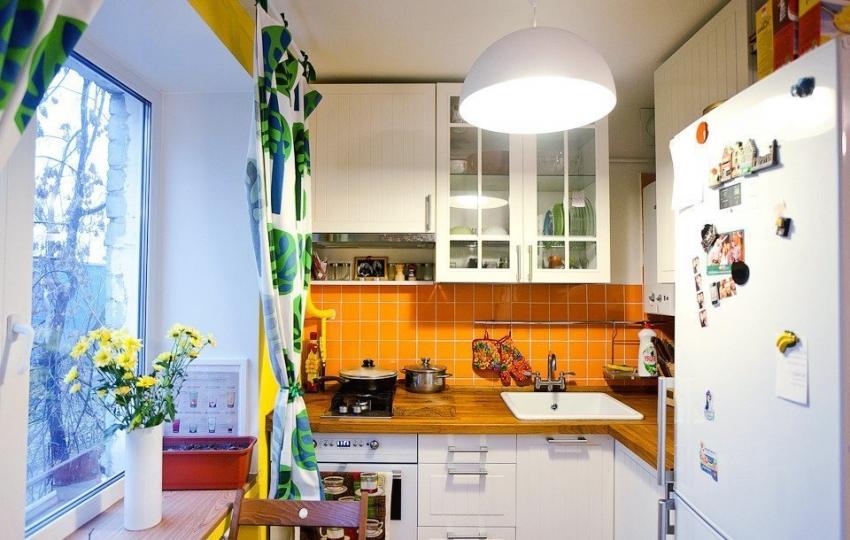 Даже на небольшой кухне можно воплотить смелые дизайнерские решения