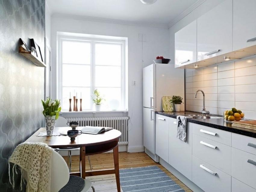 Чаще всего, малогабаритные кухни оформляют в белом цвете