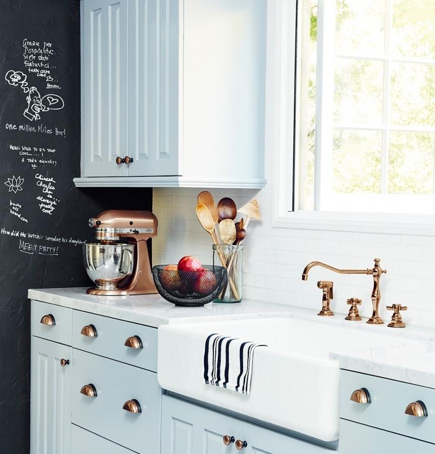 Использование графитовой краски для оформления кухни - отличное решение, особенно если в доме есть дети