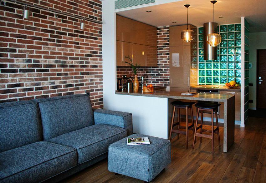 Самым простым решением расширить пространство маленькой кухни – объединить ее с гостиной