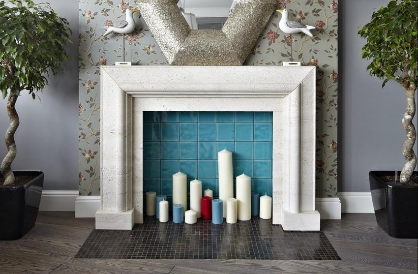 Фальш-камин с отделкой из керамической плитки и гипсовых молдингов