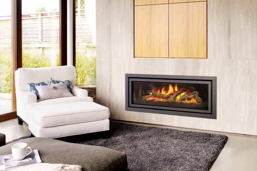 Современные модели электрических каминов имеют несколько режимов горения