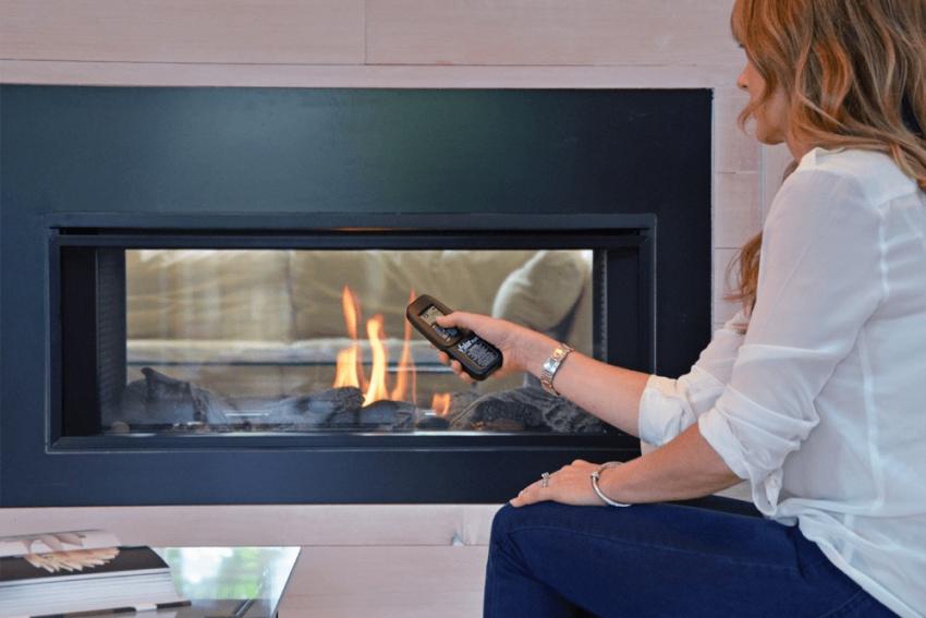 Современные электрические камины имеют несколько режимов пламени