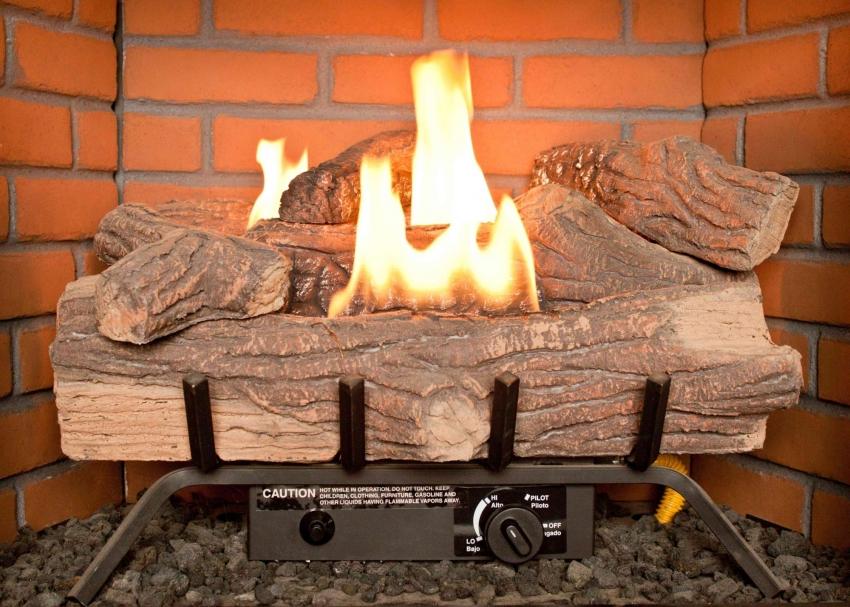 Эффект живого огня достигается за счёт генератора холодного пара и специальной подсветки