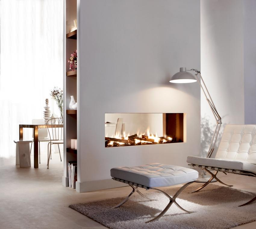 Интересным решением для оформления гостиной является установка камина в перегородку из гипсокартона