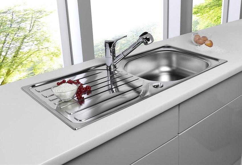 Врезная кухонная раковина из нержавеющей стали