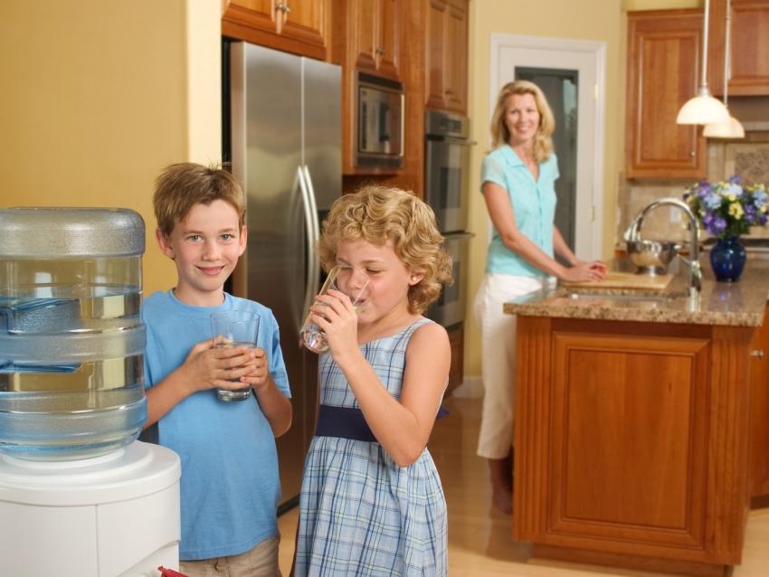 Для большой семьи лучше использовать модели кулеров с возможностью загрузки бутылей большего обьема
