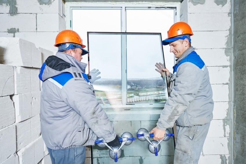 Черновой ремонт включает монтаж окон и дверей
