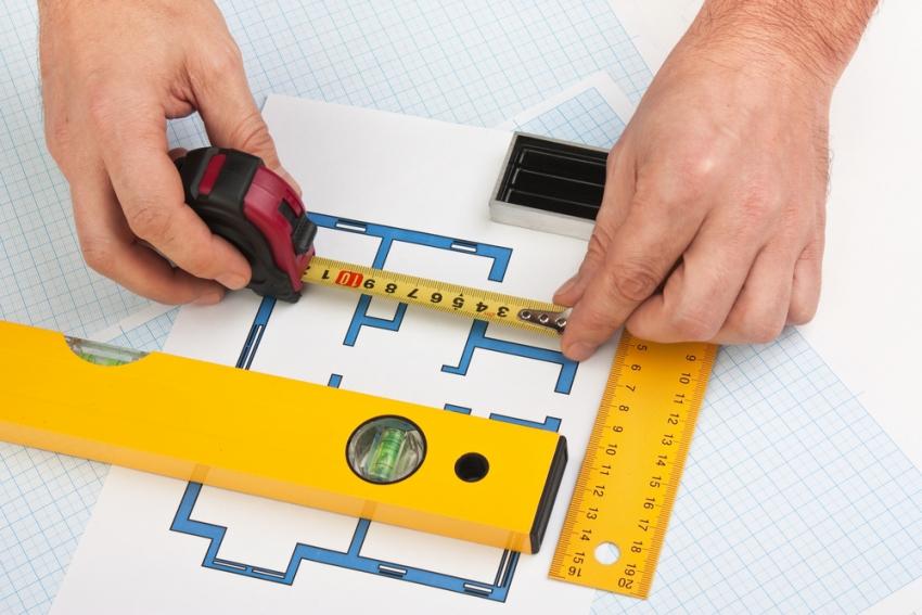 В зависимости от проекта приобретенного помещения, ремонт квартиры в новостройке начинается с планирования расположения и проведения основных коммуникаций