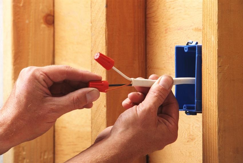 Качественные электромонтажные работы подразумевают не только грамотную установку, но и ответственный подбор всего комплекса используемого оборудования и материалов