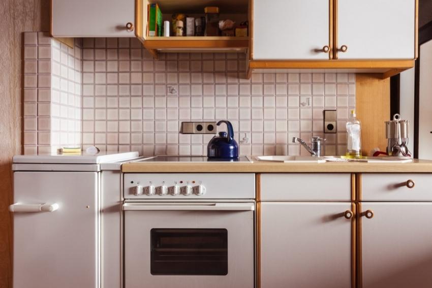 Пример неправильного расположения розеток на кухне