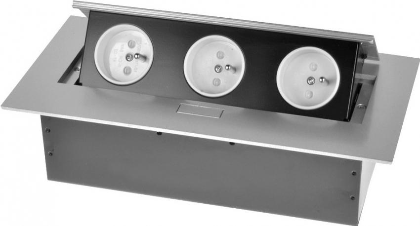 Выдвижной блок розеток может включать как обычные разъемы, так и входы для USB