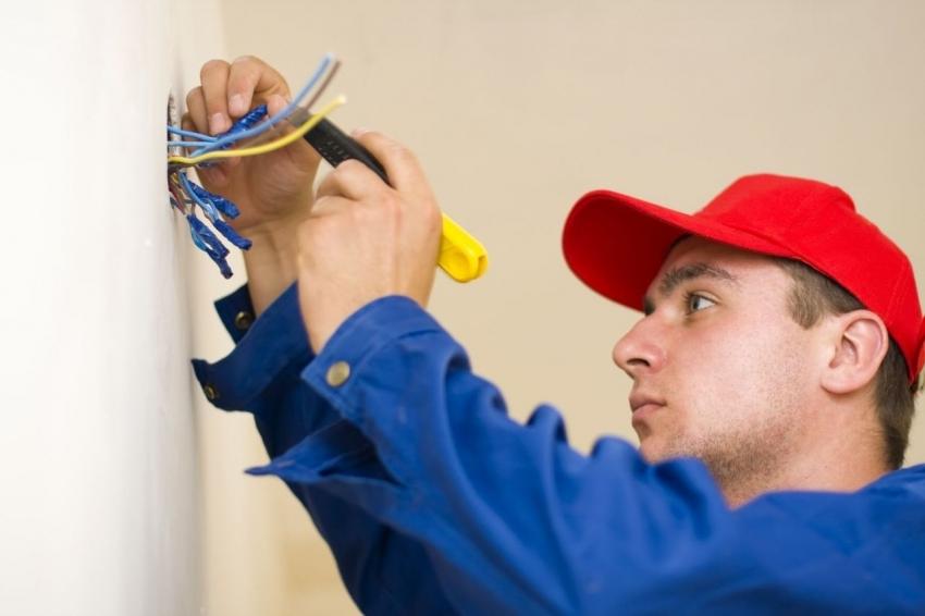 Перед началом прокладки проводки по квартире, необходимо создать схему подключения розеток и выключателей