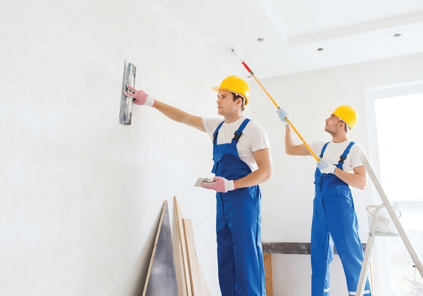 Для штукатурки стен и потолка следует использовать качественные материалы с антигрибковыми свойствами