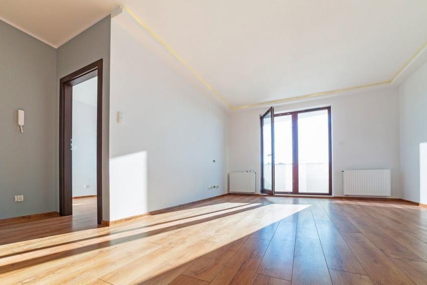 Квартира с черновой отделкой не требует выравнивания стен и пола, а также проведения коммуникаций