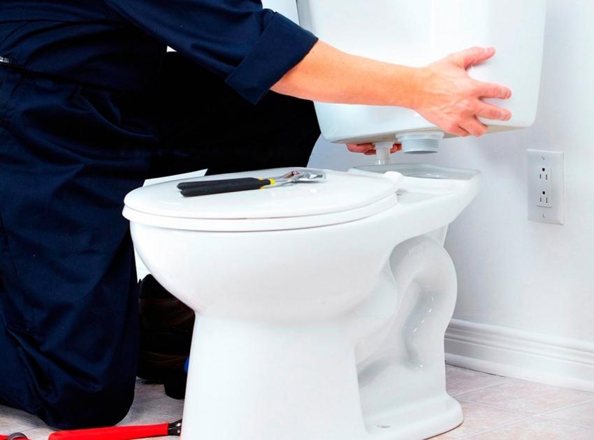 Качественно выполнить монтаж унитаза своими руками невозможно с минимальным набором необходимых инструментов, который есть в доме у любого хозяина