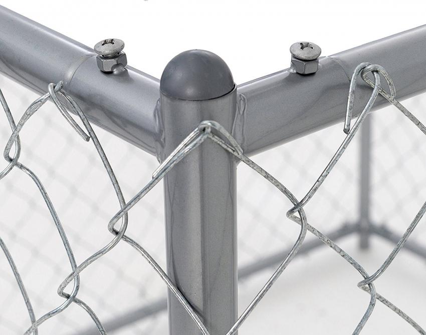 При использовании сетки для вольера необходимо использовать специальные болты для ее крепления к каркасу