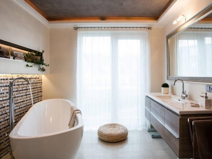 Некоторые производители предоставляют покупателям довольно длительную гарантию на акриловые ванны