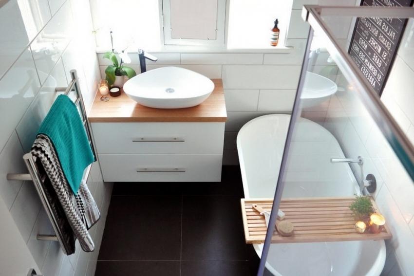 Акриловым ваннам характерен высокий уровень теплоснабжения, что способствует медленному остыванию воды до комнатной температуры