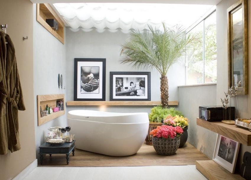 Конструкция акриловых ванн от испанской компании Roca состоит из двухуровневого каркаса, что позволяет сохранять температуру воды дольше