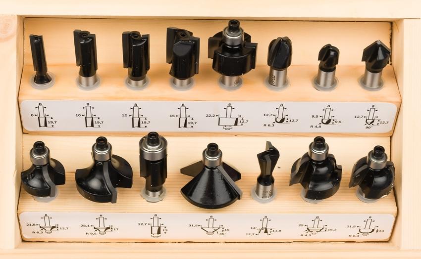 Формирование кромок, пазов и канавок различной глубины и формы – для каждой операции есть свои виды фрез по дереву для ручного фрезера