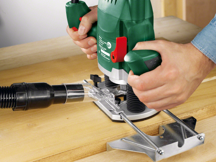 С помощью фрезера удобно выбирать пазы и обрабатывать кромки изделий, а также производить интерьерные элементы вроде плинтусов