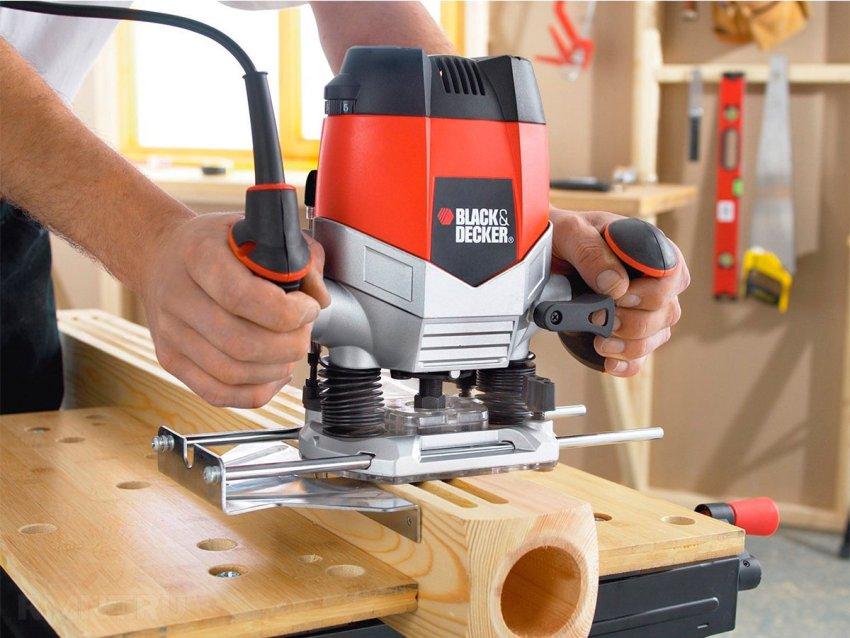 Существует множество видов фрезерных станков с помощью которых можно обрабатывать древесину