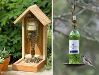 Оригинальные кормушки с использованием винных бутылок