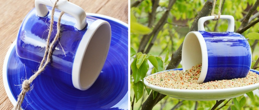Чтобы изготовить кормушку из кофейного сервиза, необходимо приклеить чашку к блюдцу и закрепить конструкцию за ручку