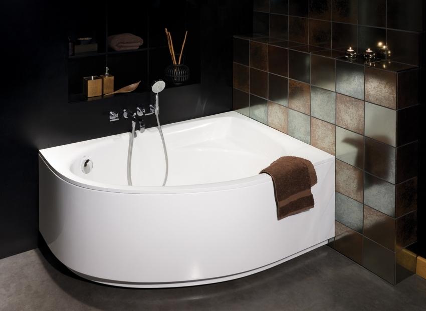 Зачастую, при покупке ванны, в комплект входит все необходимые элементы для ее установки и крепления