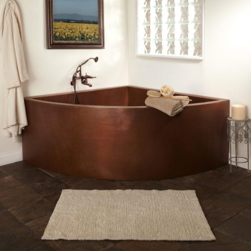 Чугунные ванны считаются самыми долговечными изделиями, срок службы которых может достигать до 50 лет
