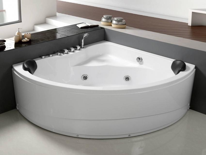 Угловая ванна с функцией гидромассажа Frank F150