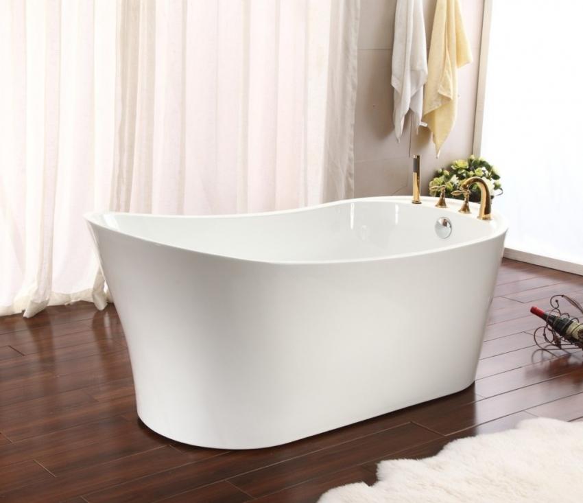 Несмотря на то, что глубокие ванны не столь популярны,как обычные модели, такой тип чаши очень удобен в использовании