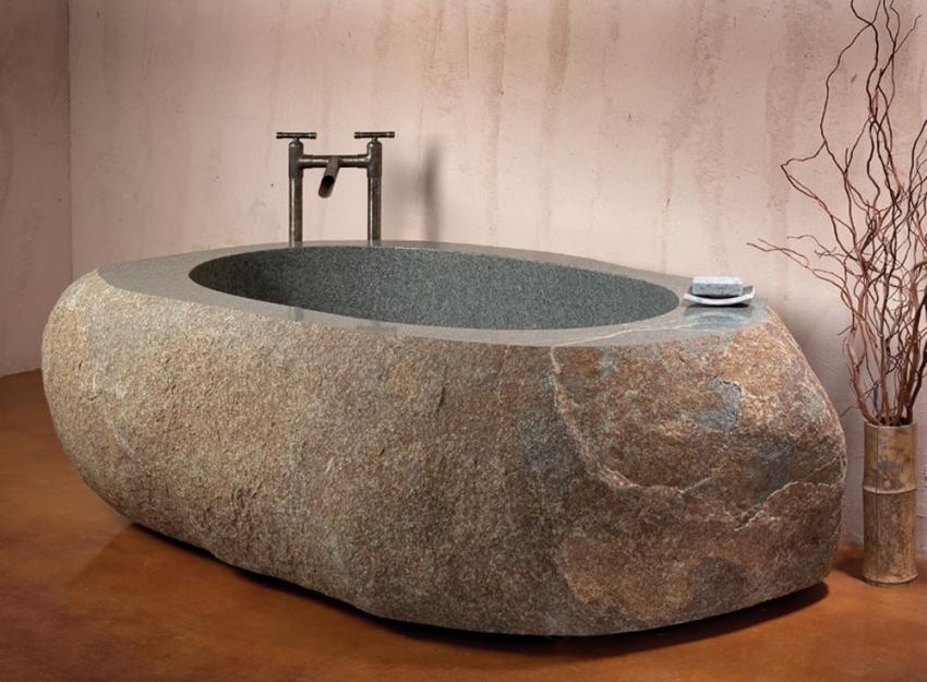 Создание и установка ванны из натурального камня не только затратное мероприятия, но и довольно длительное