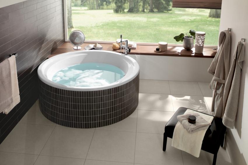 Пример удачного размещения круглой ванны