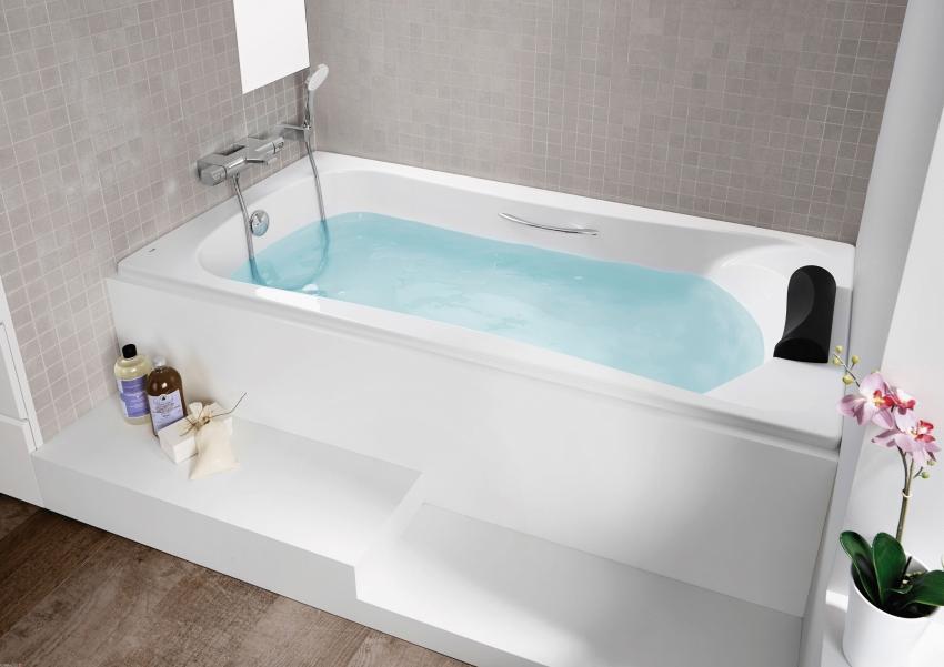Стоимость ванны зависит от материала из которого она изготовлена, страны производителя а также от встроенных функций
