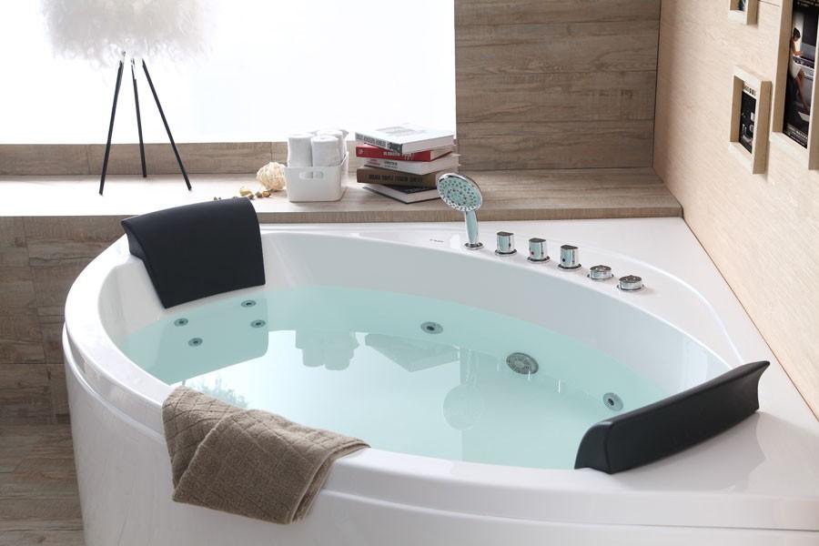 Ванна может быть оснащена удобными подголовниками