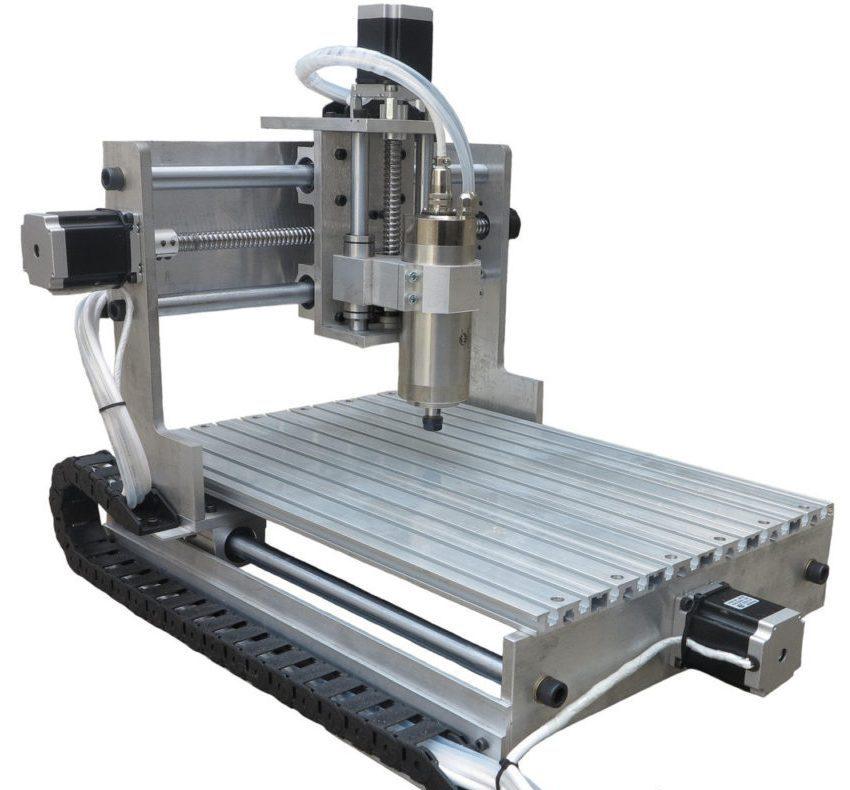 Настольные фрезерные станки с ЧПУ – это достаточно мощные и точные станки, которые идеально подойдут для домашних мастерских и малых предприятий