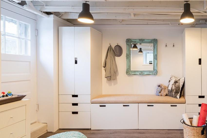 Отличным вариантом для небольших коридоров станет модульный гарнитур, который собирается из отдельных элементов
