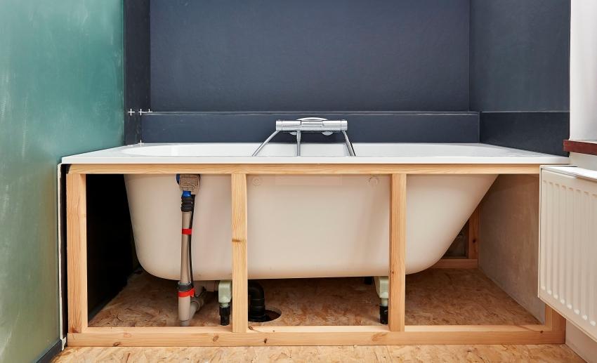 Перед монтажом каркаса нужно сначала провести все необходимые замеры и нанесите разметку на стены и пол