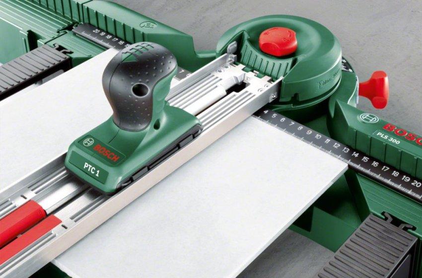 С помощью профессионального плиткореза можно сделать распил материала толщиной до 16 мм
