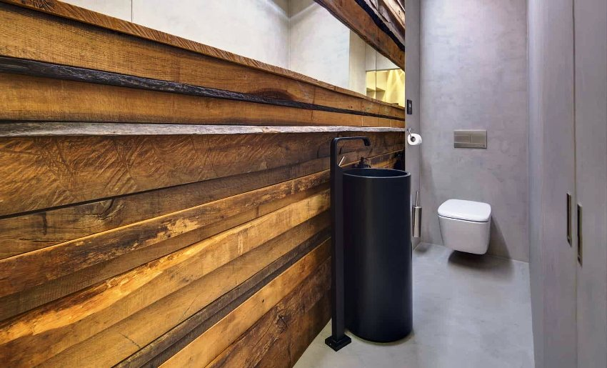 Унитазы-инсталляции не занимают много пространства и хороши при уборке - нет ножки, возле которой могут скапливаться бактерии и пыль
