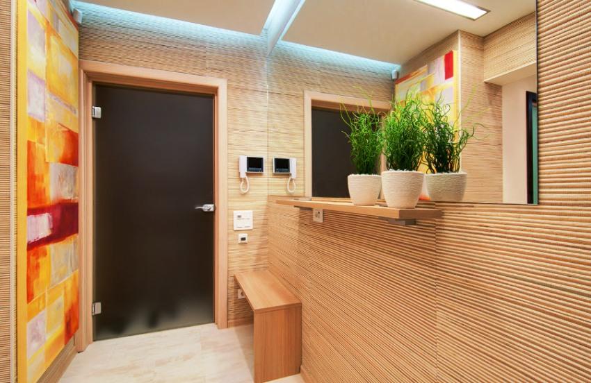 Обои из бамбукового полотна подходят для отделки не только жилых помещений, но и коридоров и прихожих