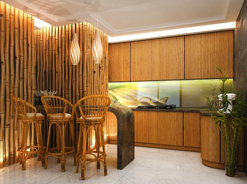 Использование бамбука, его природных оттенков и неповторимой фактуры придает интерьеру особый стиль, подчеркивая общую гармонию дизайнерских решений