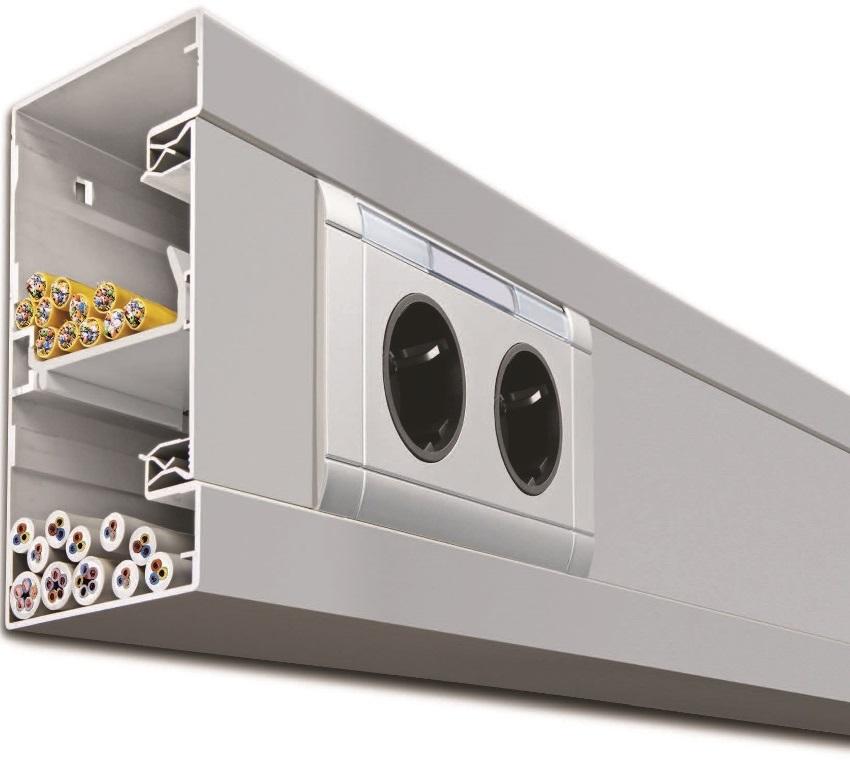 Если требуется разместить слаботочные и силовые кабели одновременно - стоит отдать предпочтение моделям короба с разделителем