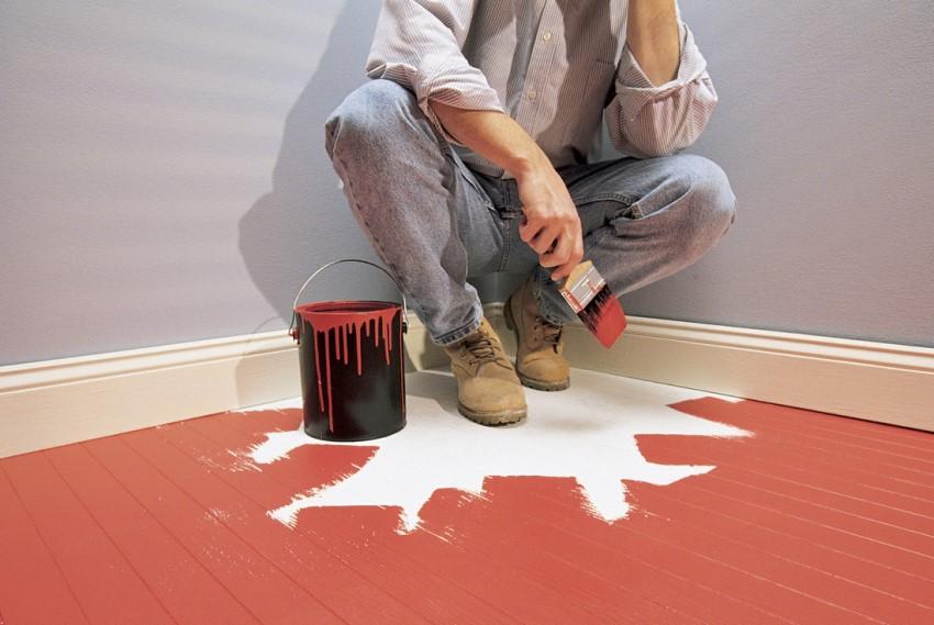 Краску на масляной основе лучше использовать для покрытия полов в ванной