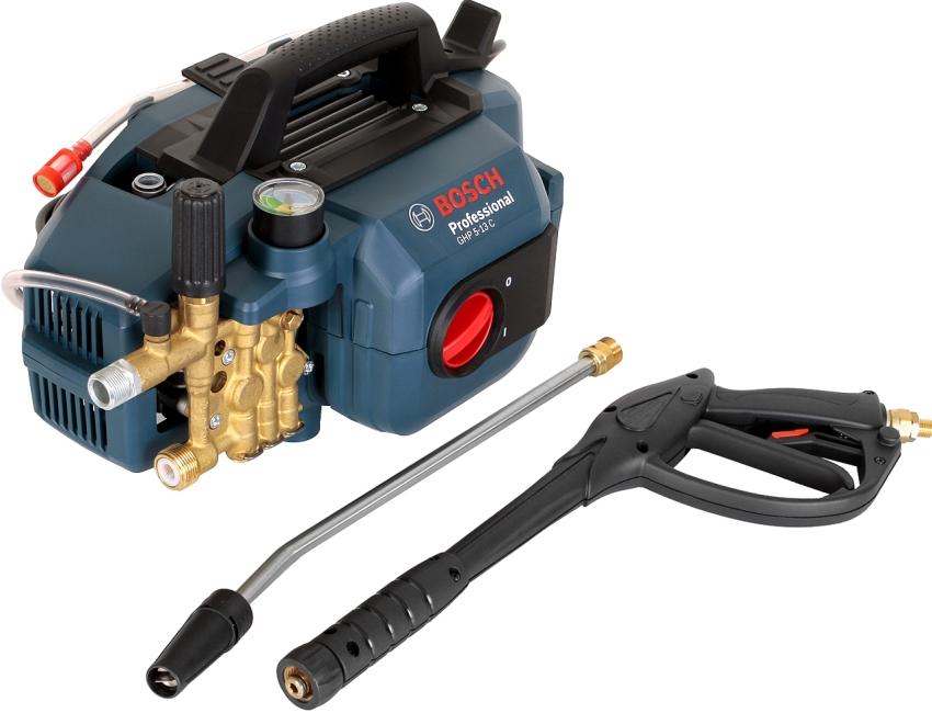 Профессиональный агрегат от Bosch способен выдерживать высокие нагрузки в течение длительного времени работы