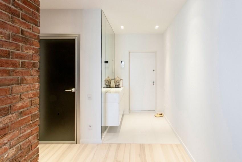Удачное расположение мебельных комплектов позволит максимально обеспечить порядок и привлекательность в коридоре, создать в нем уют и комфорт