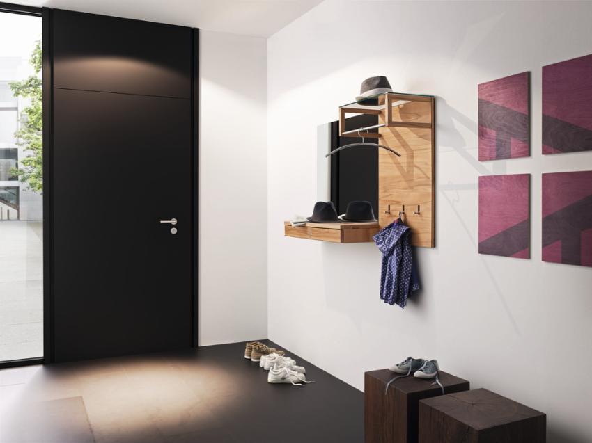 Лаконичный набор мебели для маленькой прихожей