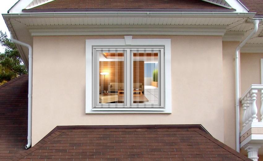 Под определенным углом обзора решетки заметны на окнах, однако это не портит внешний вид дома